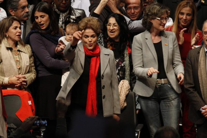 """Dilma Rouseff participa do lançamento do livro """"A Resistência ao Golpe"""", na Assembleia Legislativa"""