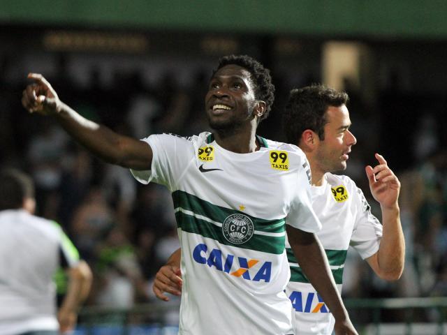 O atacante chegará em Porto Alegre ainda esta semana