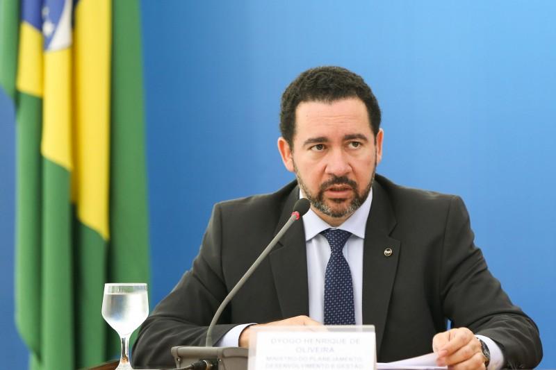 Gastos terão de passar pelo crivo do Senado, informa Dyogo Oliveira