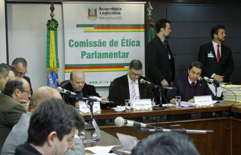 Parecer da subcomissão processante do caso Mário Jardel foi acolhido por unanimidade no colegiado