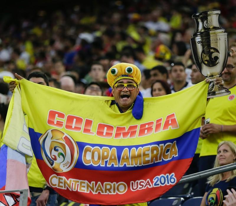Torcida da Colômbia acabou surpreendida com a determinação da seleção da Costa Rica
