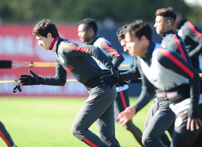 Argel testou alternativas no treino visando o duelo da próxima quinta com o Atlético Mineiro