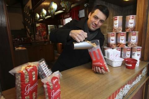Rafael Peccin vende até 20 mil pacotes de pipoca por mês, com sabores inusitados