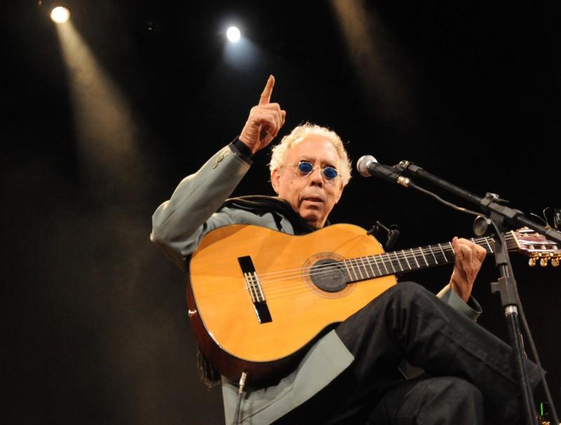 Músico completa 51 anos de carreira e participa do projeto Noites Especiais nesta quarta-feira