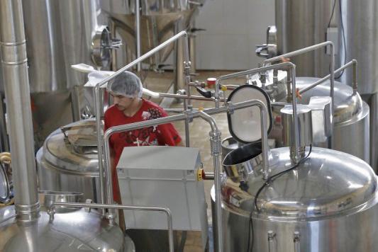 Com a emenda, as microcervejarias, vinícolas e destilarias, por exemplo, passam a utilizar também esse regime tributário