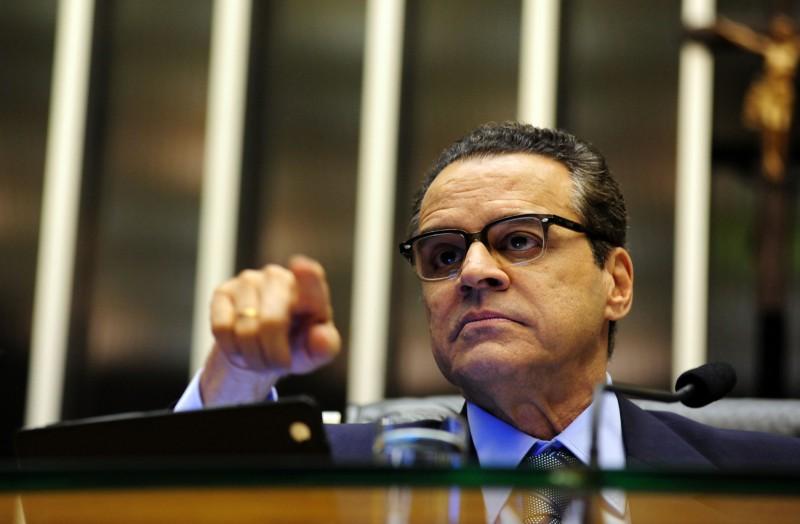 Ex-ministro Henrique Eduardo Alves é acusado de receber propina