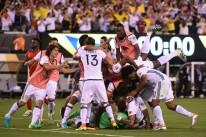 Colômbia vence Peru nos pênaltis e se garante nas semifinais da Copa América