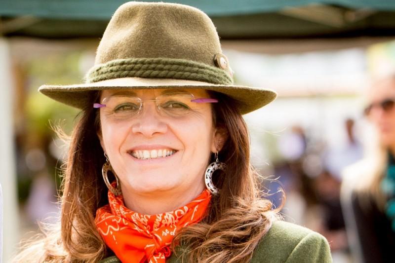 Elizabeth Cirne Lima julgou a raça Devon na Inglaterra