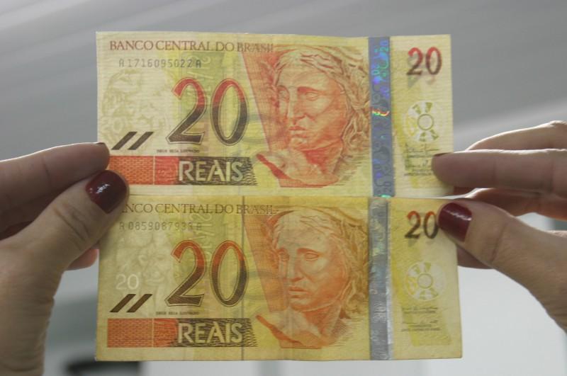 Índice de registros de cédulas falsas por milhão no Brasil é de 75