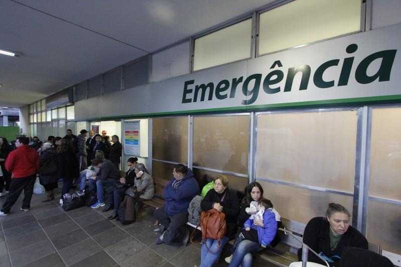 Situação mais séria foi registrada no Clínicas, que estava com 165 pacientes para 41 leitos