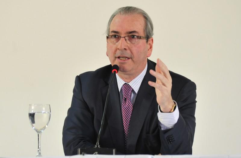 O presidente afastado da Câmara, Eduardo Cunha, voltou a afirmar hoje  que não vai renunciar ao cargo