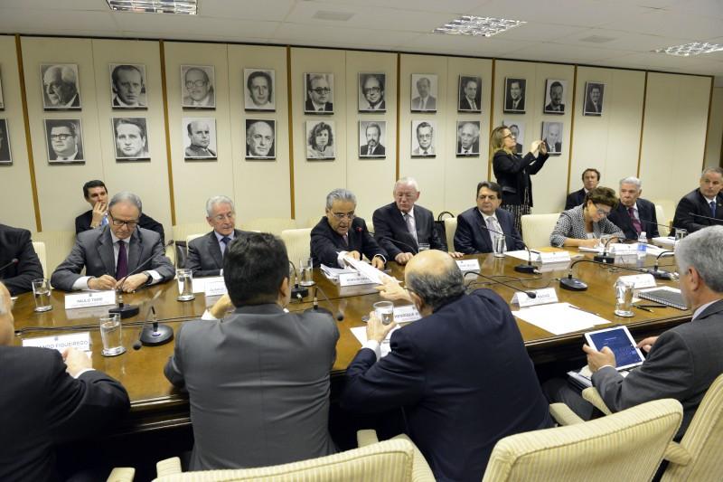 Robson Braga de Andrade, presidente da CNI e empresários participam de reunião com  Henrique Meirelles, ministro da Fazenda