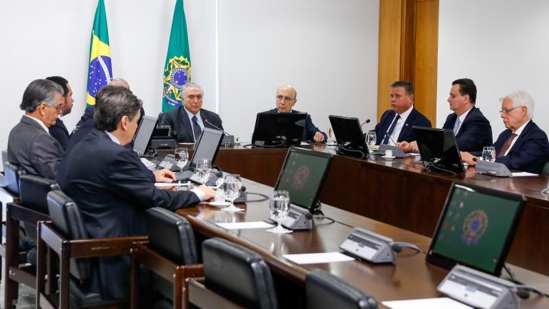Presidente interino Michel Temer teve o primeiro encontro ontem com os integrantes do Comitê Econômico