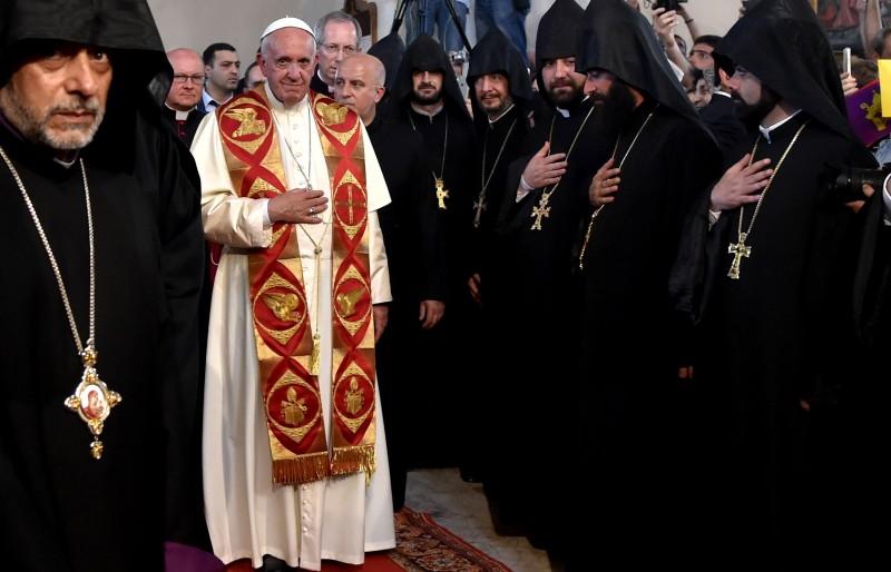 Papa Francisco em visita a Armênia, para uma visita de três dias ao país cristão