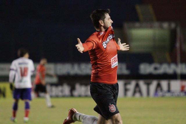 Zagueiro Teco anotou o gol da vitória dos pelotenses contra os baianos