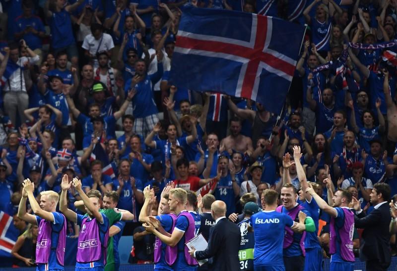 Islandeses celebram conquista histórica na França