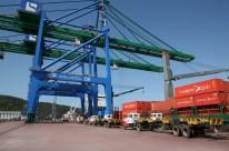 Exportações das indústrias gaúchas caem em fevereiro