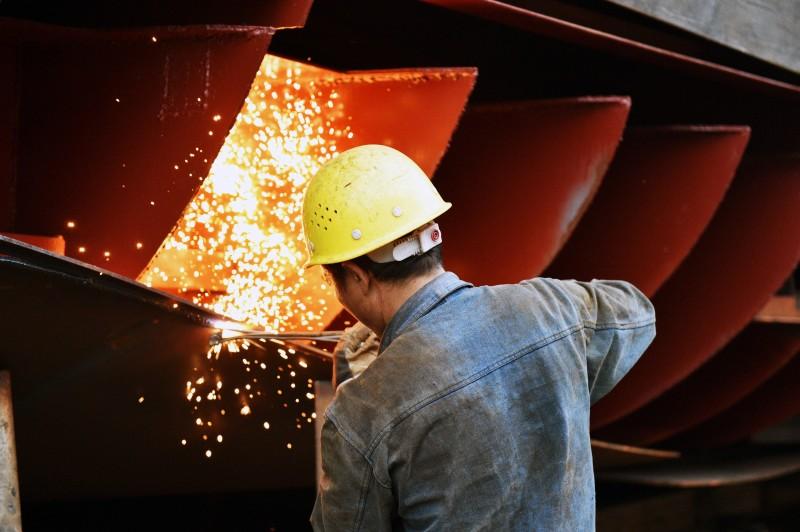 Indústria absorveu 12 mil novos empregados em maio, mostra a PED