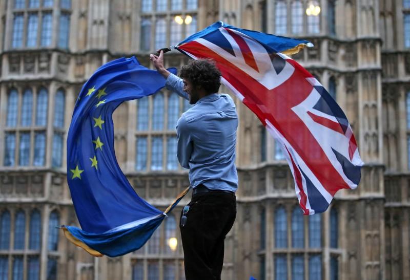 População do Reino Unido decidiu sair da União Europeia em plebiscito realizado em 23 de junho deste ano
