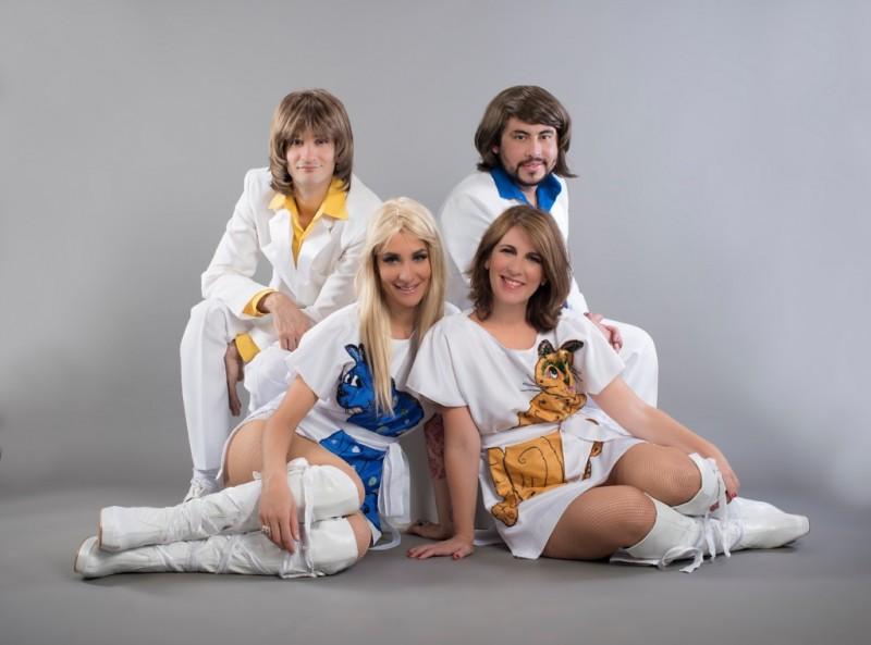 Tributo ABBA Mamma Mia lembra trajetória do grupo sueco