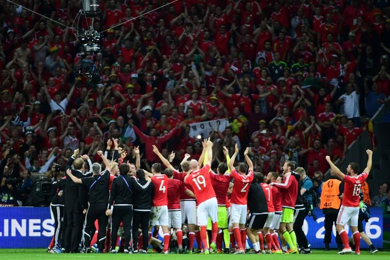 Galeses avançam à semi pela primeira vez na história