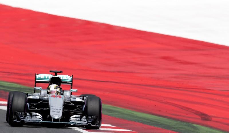 Britânico larga na pole position no GP da Áustria