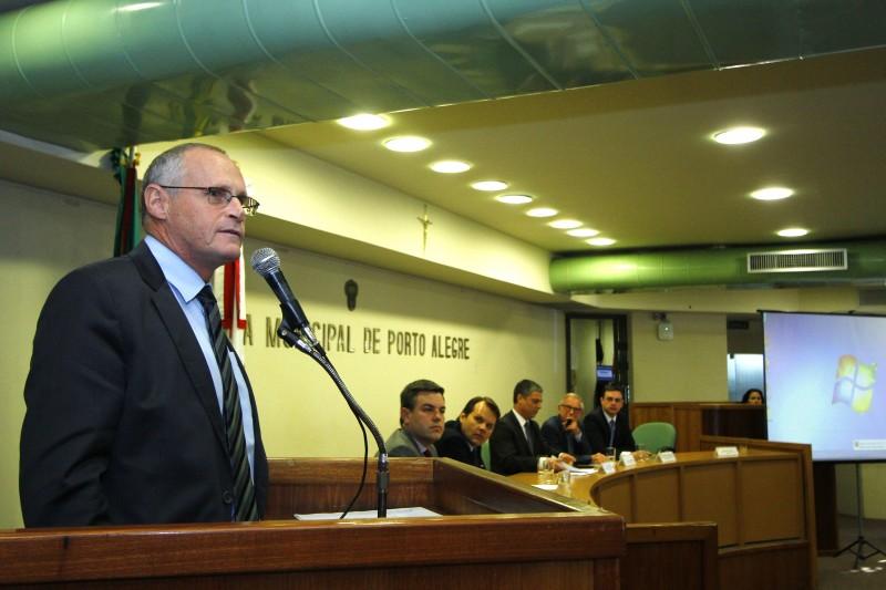 Segundo José Mariano Beltrame (e), polícia é fruto da sociedade que integra