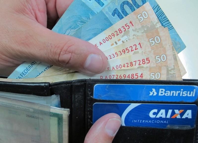 Parcela da renda comprometida com dívidas cresceu e chegou a 32,2%