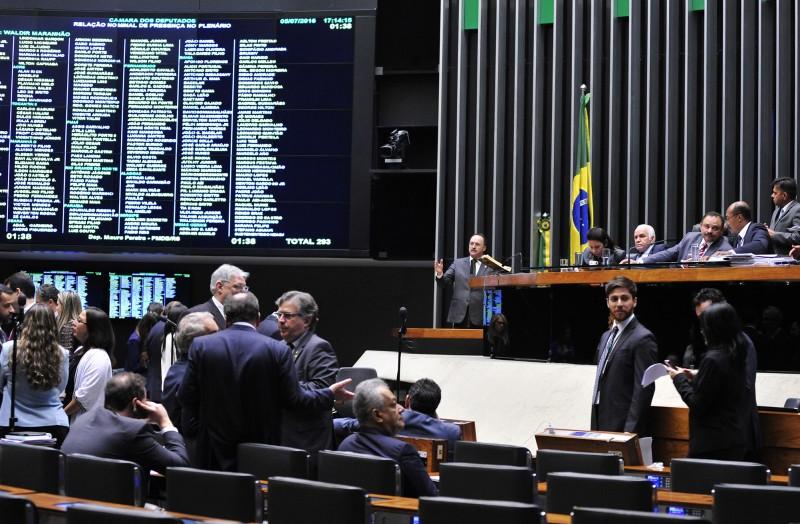 Deputados federais vão fazer esforço concentrado de votação em plenário na próxima semana