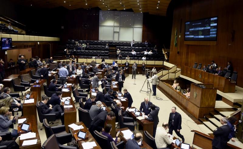 Trabalhos do plenário já haviam começado quando desembargadora do TJ deliberou a favor do parlamentar