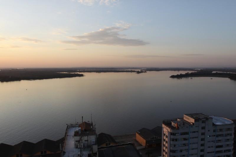 Extração de areia no lago divide ambientalistas e empresários