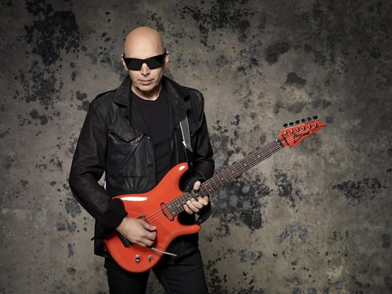 Guitarrista Joe Satriani se apresenta em Porto Alegre em dezembro