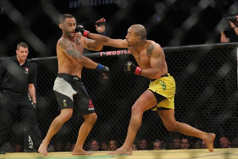 O negócio foi tornado público um dia depois o maior evento da história, o UFC 200