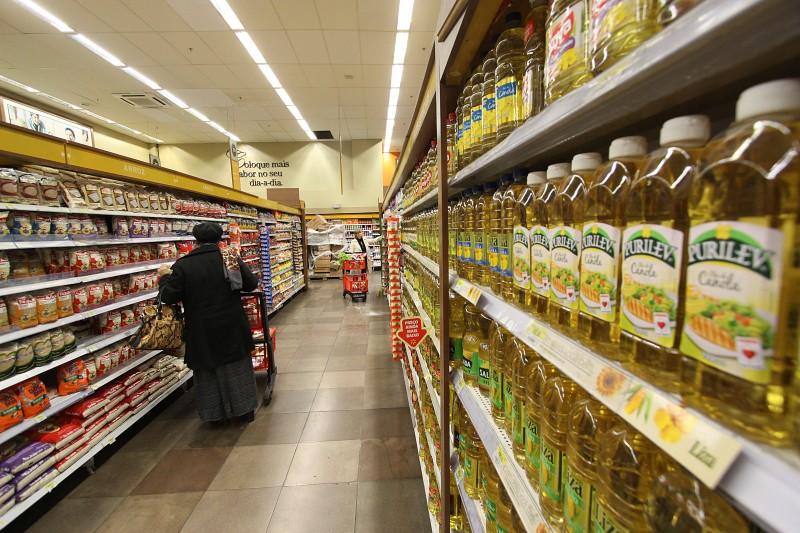 Custo dos 27 produtos pesquisados foi de R$ 498,89; óleo de soja foi um dos vilões, com aumento de 31%