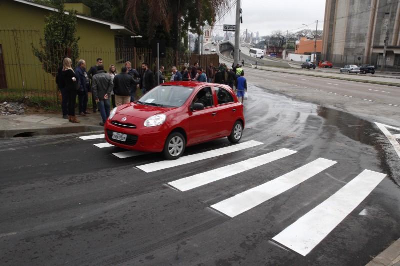 Com a conclusão desta alça, os veículos que se deslocam na direção Sul podem ingressar na Bento Gonçalves em direção a Viamão