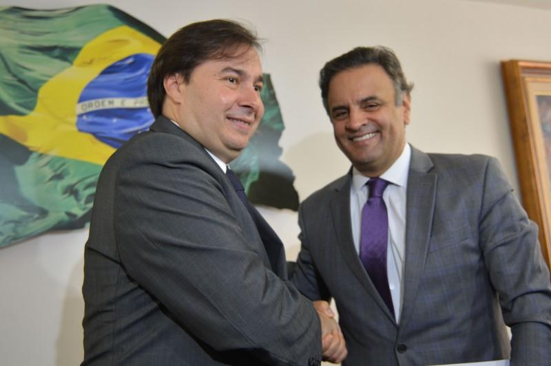 Presidente eleito da Câmara dos Deputados, Rodrigo Maia, reuniu-se com o senador Aécio Neves