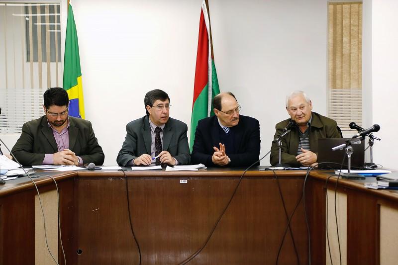 Fernandes, dos Coredes, e Sartori (ambos centro) apresentam balanço