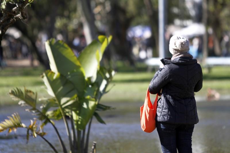 Presença do sol ajudou a amenizar a sensação de frio na Capital gaúcha
