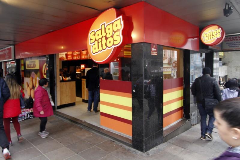 GeraçãoE  ? Entrevista com um dos proprietários do Salgaditos (Fast food novo), Roberto Fay
