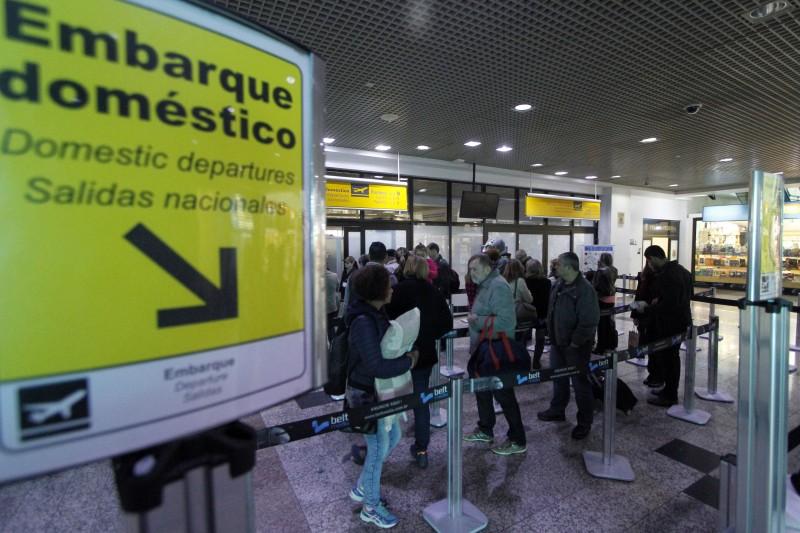 Manhã foi de normalidade no aeroporto de Porto Alegre, sem registros de filas ou transtornos