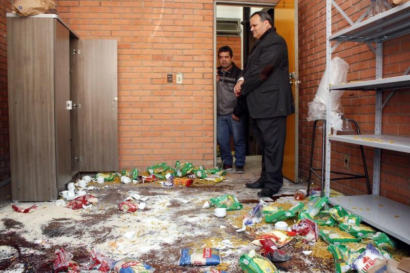 Alcoba esteve na instituição ontem para fazer levantamento dos danos