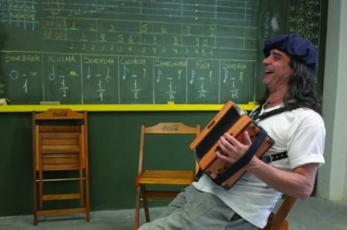 Músico lança disco em show no Teatro do Sesc