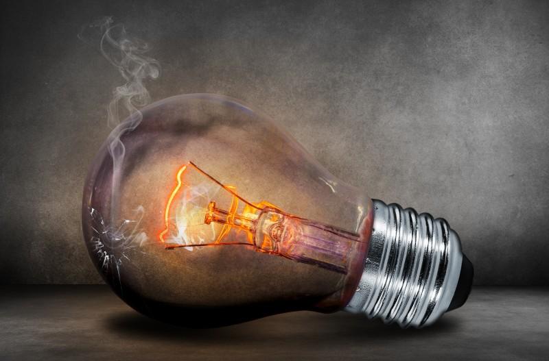 Hoje, cerca 180 milhões de lâmpadas por ano vão para nos  lixões do País