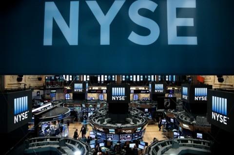 Bolsas de Nova Iorque sobem, com ata do Fed no radar e ganhos no consumo discricionário