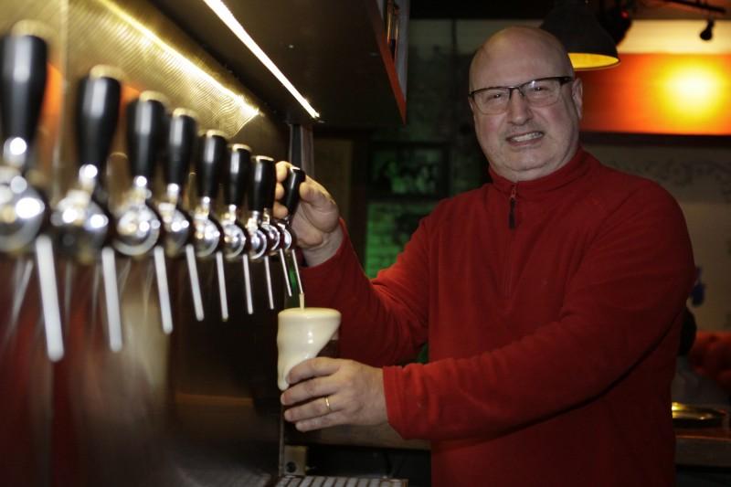 Gerson Weissheimer De La Corte abriu o Weiss British Pub na Benjamin