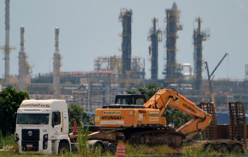 Com mais de 80% da obra concluída, refinaria do Rio precisa ainda de US$ 2 bilhões