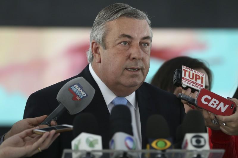 Após reunião com o presidente interino Michel Temer, o vice-presidente da CNA, José Mário Schreiner, fala com a imprensa