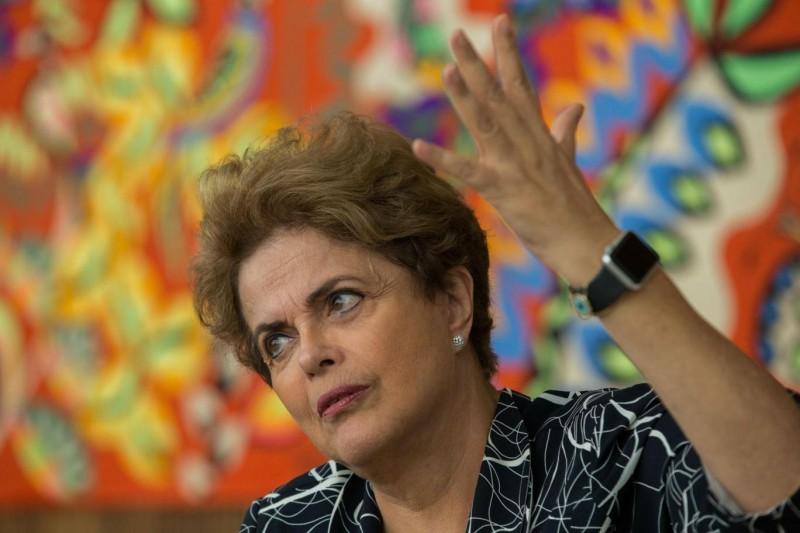 A presidente afastada culpou a crise política por colocar o País em recessão