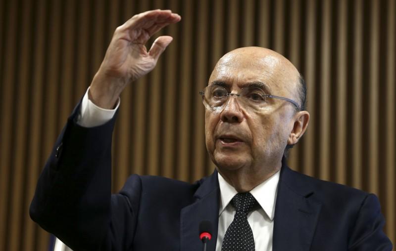 Henrique Meirelles definiu medidas após reunião com o relator
