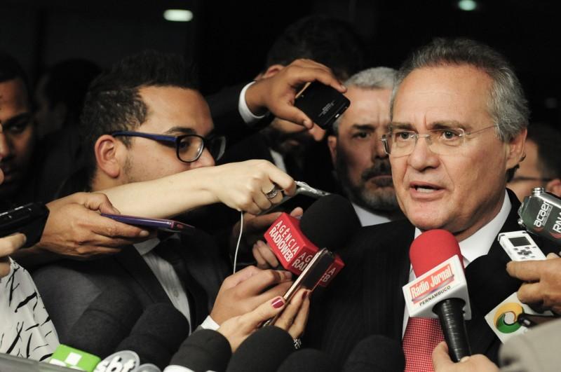 Renan Calheiros negou que tenha sido pressionado pelo presidente interino